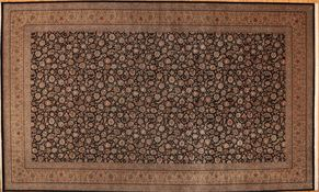 Tabriz 68313<div>15 x 25 Black/Gold fine wool pile Hand-knotted in Pakistan rugs</div>